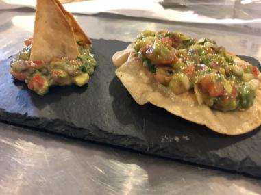 Guacamole, tostada et totopos